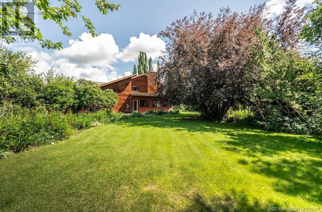 Residential property for sale at 10209 76 Ave Grande Prairie Alberta - MLS: GP209037