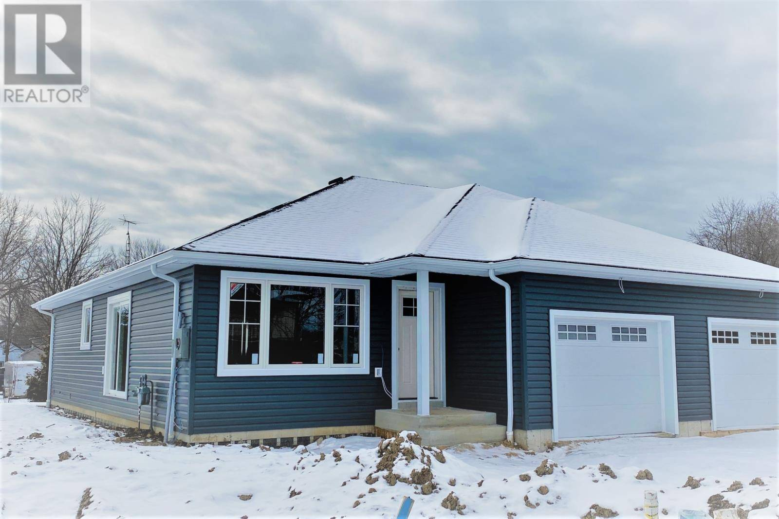 House for sale at 1021 Oak Ave Unit 1021 Kingsville Ontario - MLS: 19027739