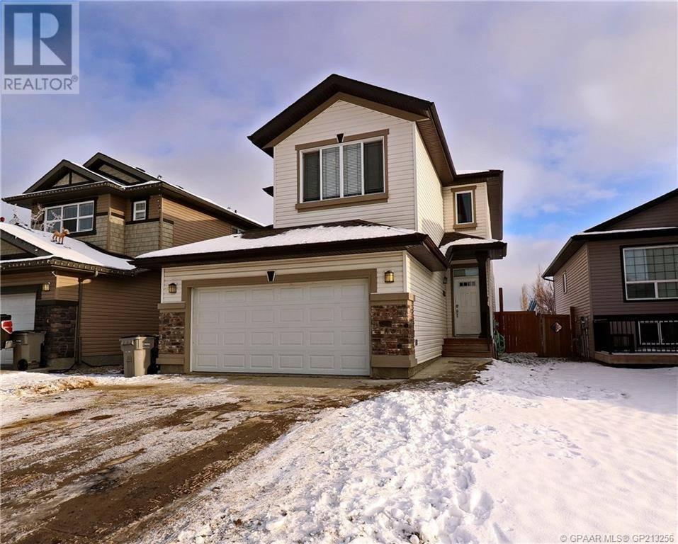 House for sale at 10213 87 St Grande Prairie Alberta - MLS: GP213256