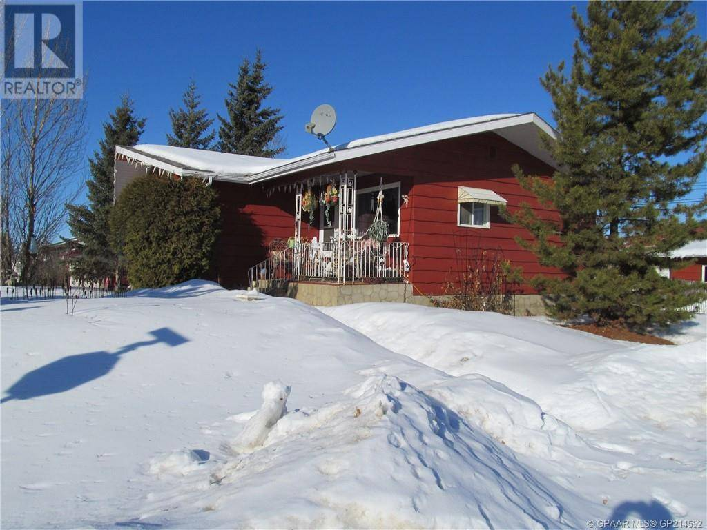 House for sale at 10216 104 Street Crescent North Hythe Alberta - MLS: GP214592