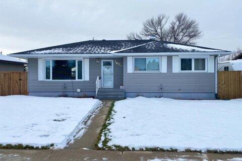 House for sale at 1022 Henderson Lake Blvd S Lethbridge Alberta - MLS: A1050851