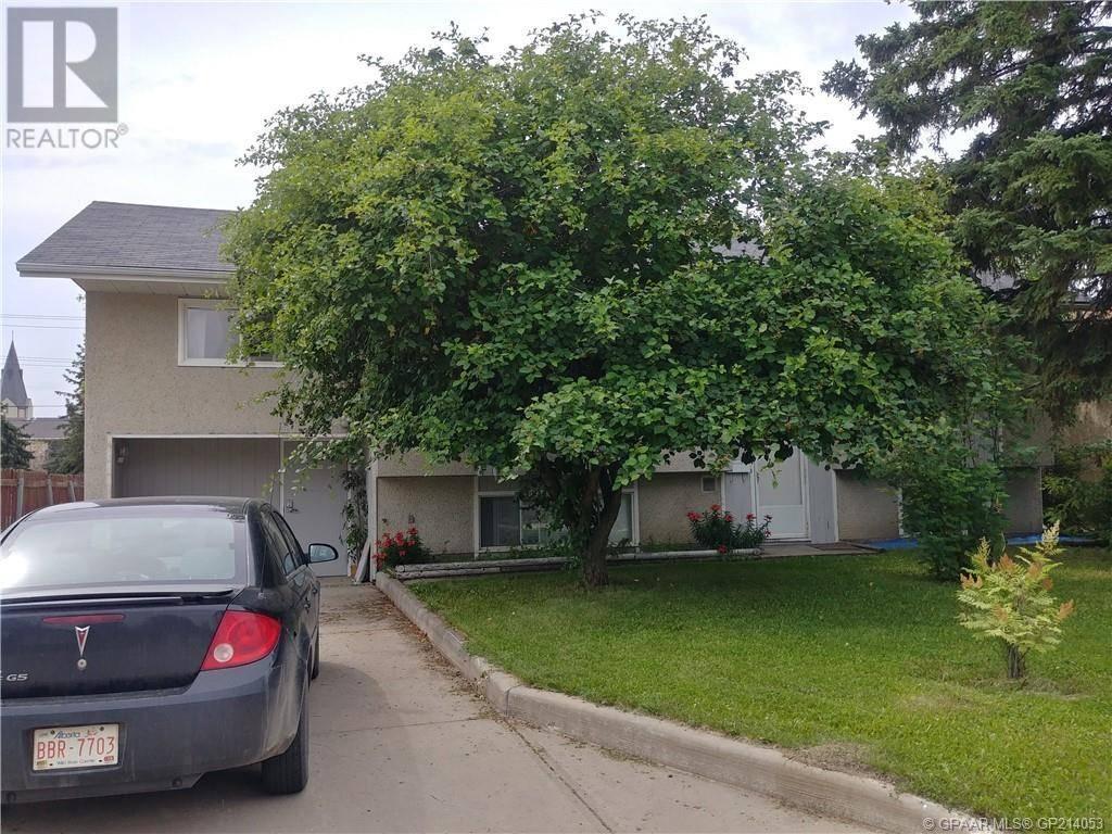 House for sale at 10229 107 Avenue Court Grande Prairie Alberta - MLS: GP214053