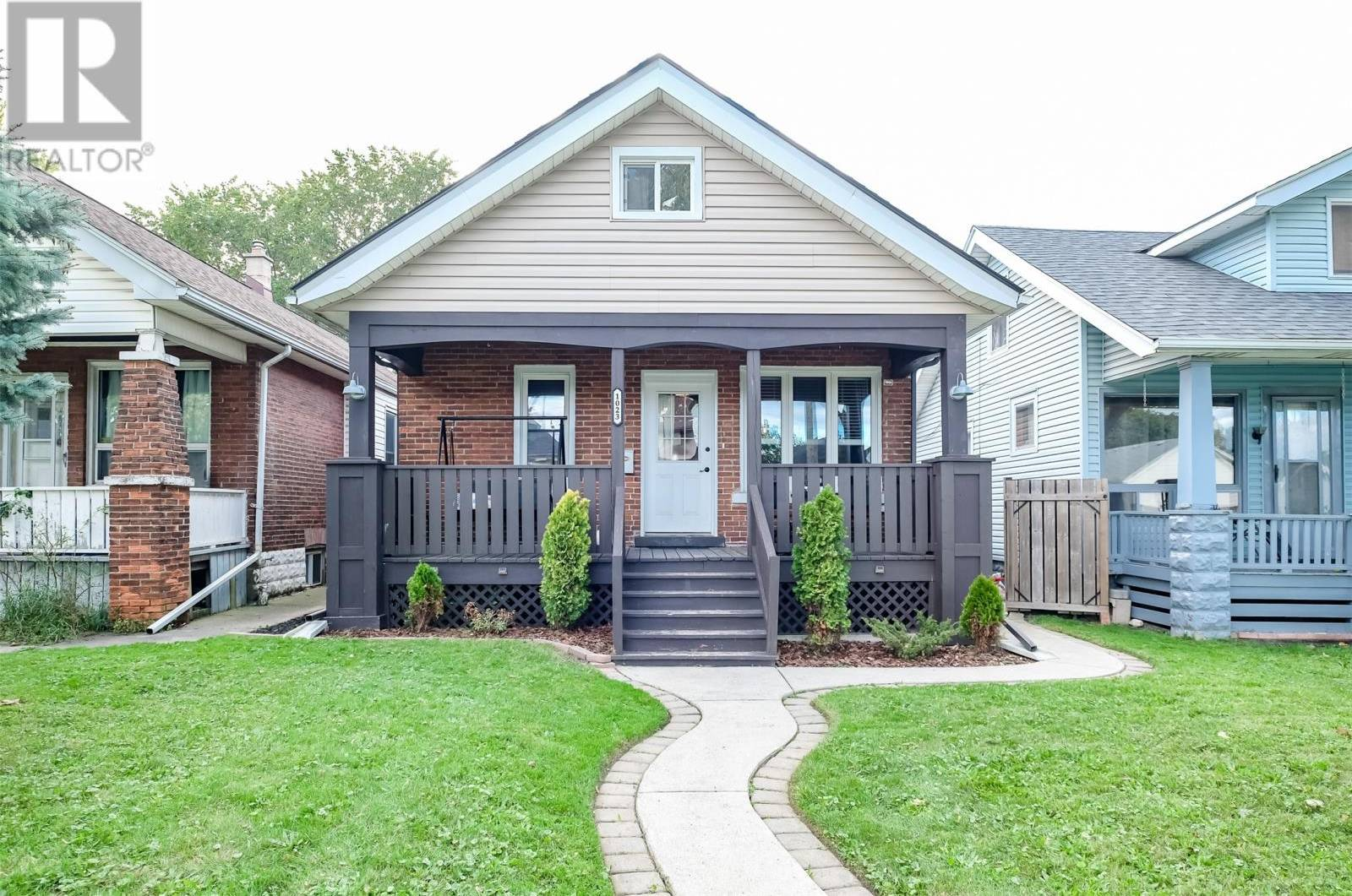 House for sale at 1023 Oak Ave Windsor Ontario - MLS: 19026982