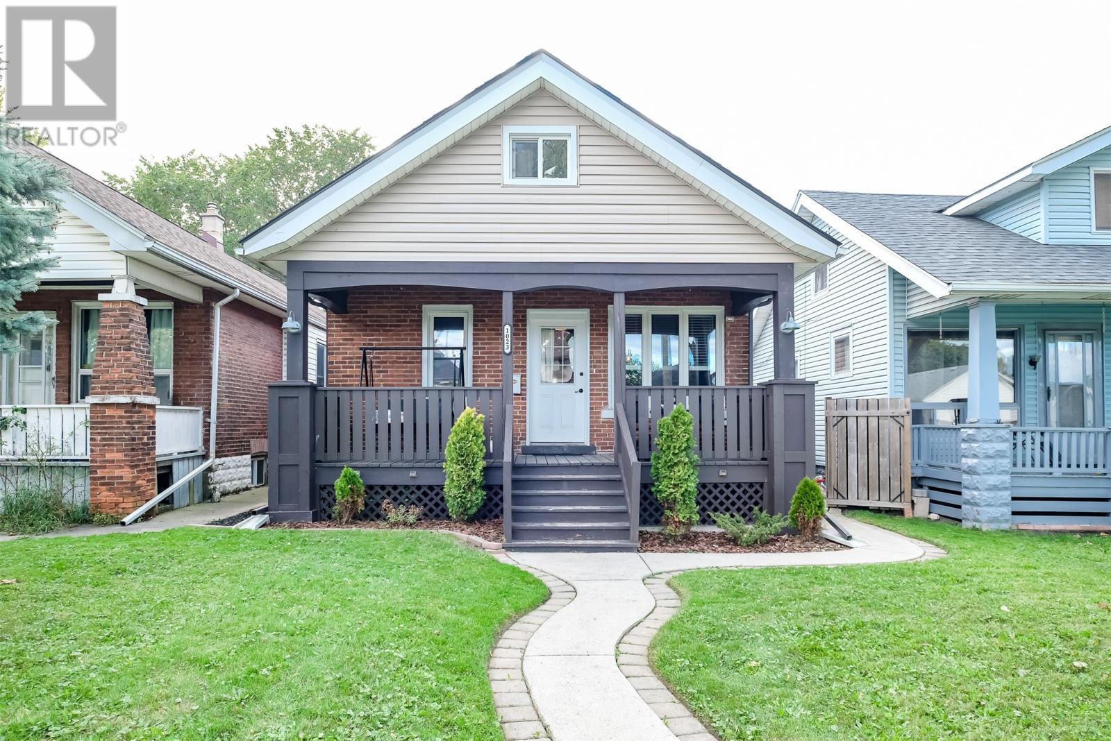 Removed: 1023 Oak Avenue, Windsor, ON - Removed on 2019-10-31 08:03:13