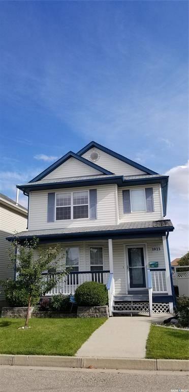 House for sale at 1023 Snowberry Wy N Regina Saskatchewan - MLS: SK796522