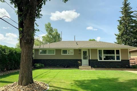 House for sale at 1024 Bogue Ave Moose Jaw Saskatchewan - MLS: SK800744