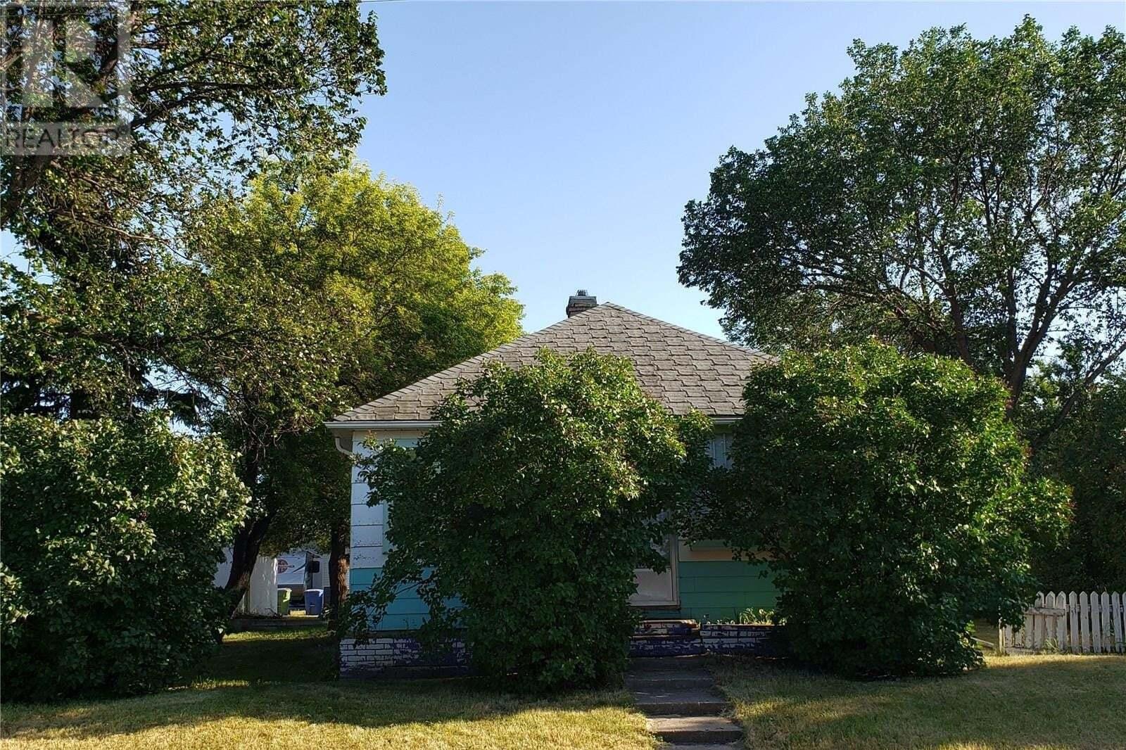 House for sale at 1025 Lillooet St W Moose Jaw Saskatchewan - MLS: SK814183