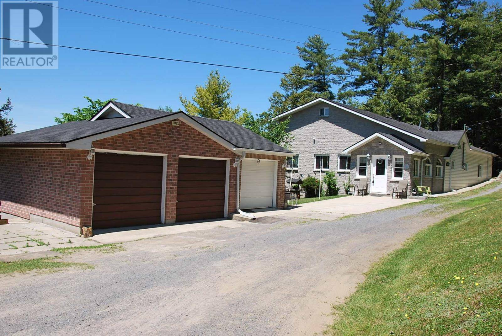House for sale at 1025 Woods Ln South Frontenac Ontario - MLS: K20001589