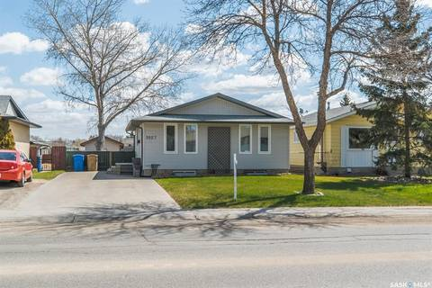 House for sale at 1027 Dorothy St Regina Saskatchewan - MLS: SK771437