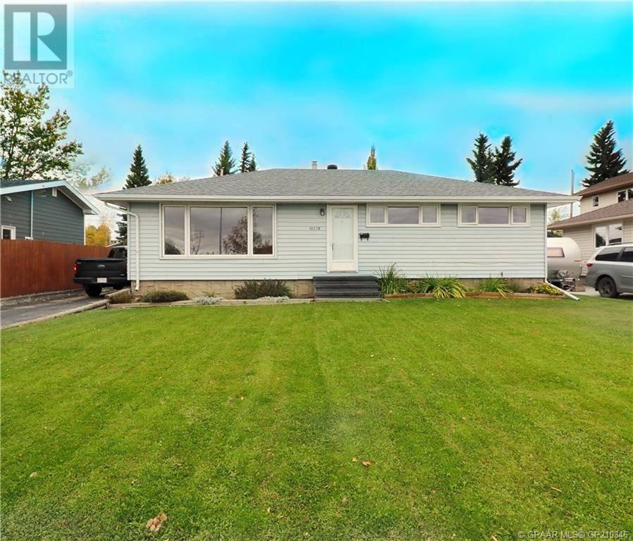 House for sale at 10278 110 Ave Grande Prairie Alberta - MLS: GP210346