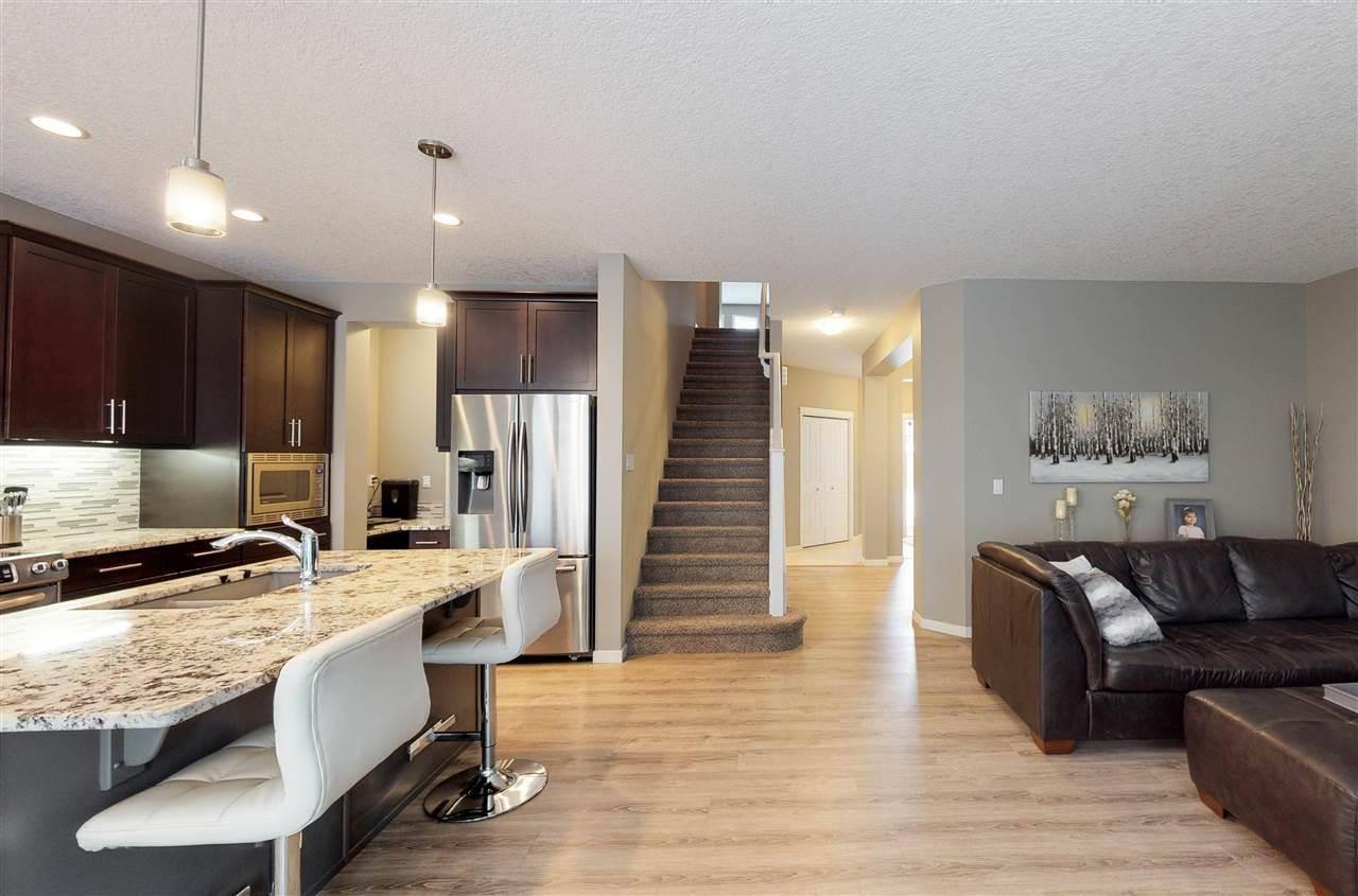House for sale at 1028 Coopers Hawk Li Nw Edmonton Alberta - MLS: E4185171