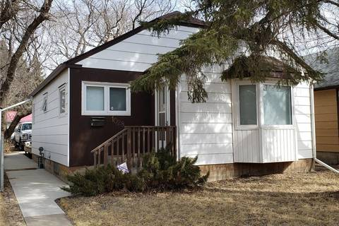 House for sale at 1028 Coteau St W Moose Jaw Saskatchewan - MLS: SK804450