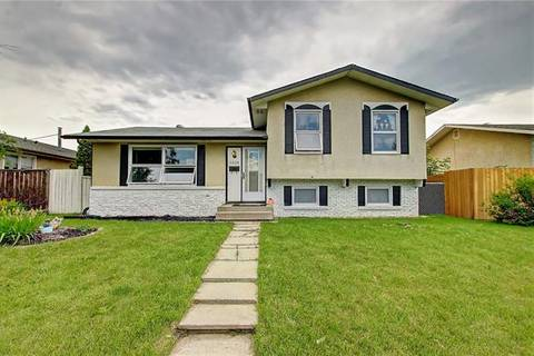 House for sale at 1028 Pensdale Cres Southeast Calgary Alberta - MLS: C4258243