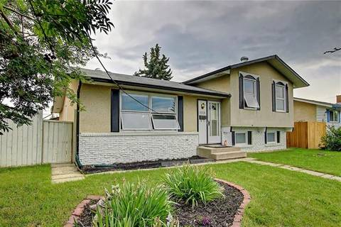 1028 Pensdale Crescent Southeast, Calgary   Image 2