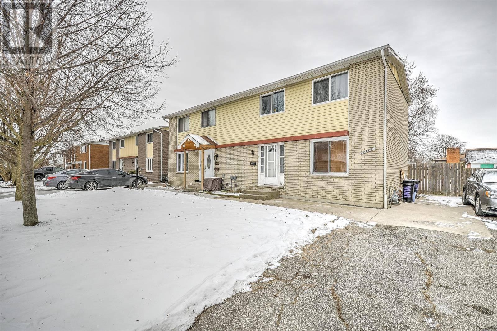 House for sale at 10285 Shenandoah Cres Windsor Ontario - MLS: 20002462