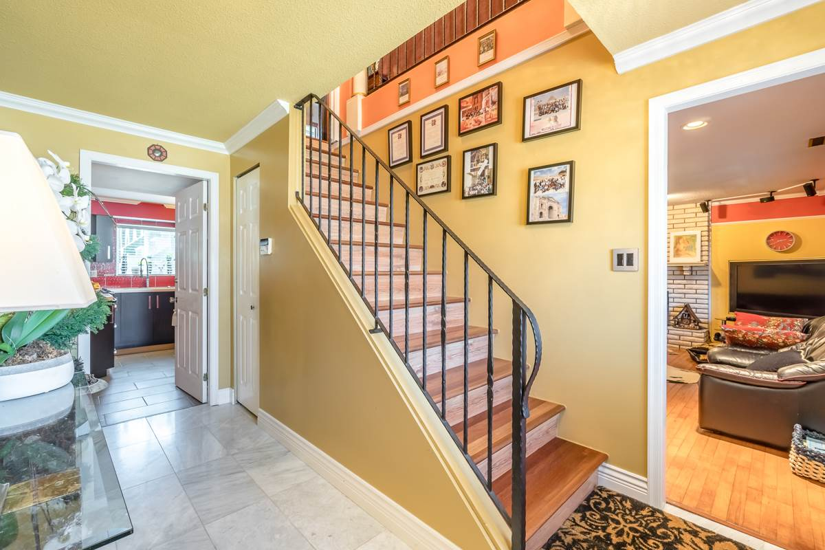 For Sale: 10291 Hollywell Drive, Richmond, BC | 5 Bed, 3 Bath House for $1,588,000. See 20 photos!