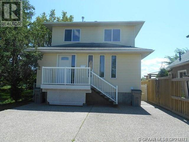 Townhouse for sale at 10217 103 Avenue Ave Unit 103 Grande Prairie Alberta - MLS: GP214373