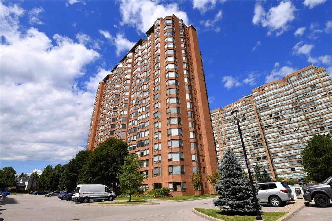 Condo for sale at 1270 Maple Crossing Blvd Unit 103 Burlington Ontario - MLS: H4085761