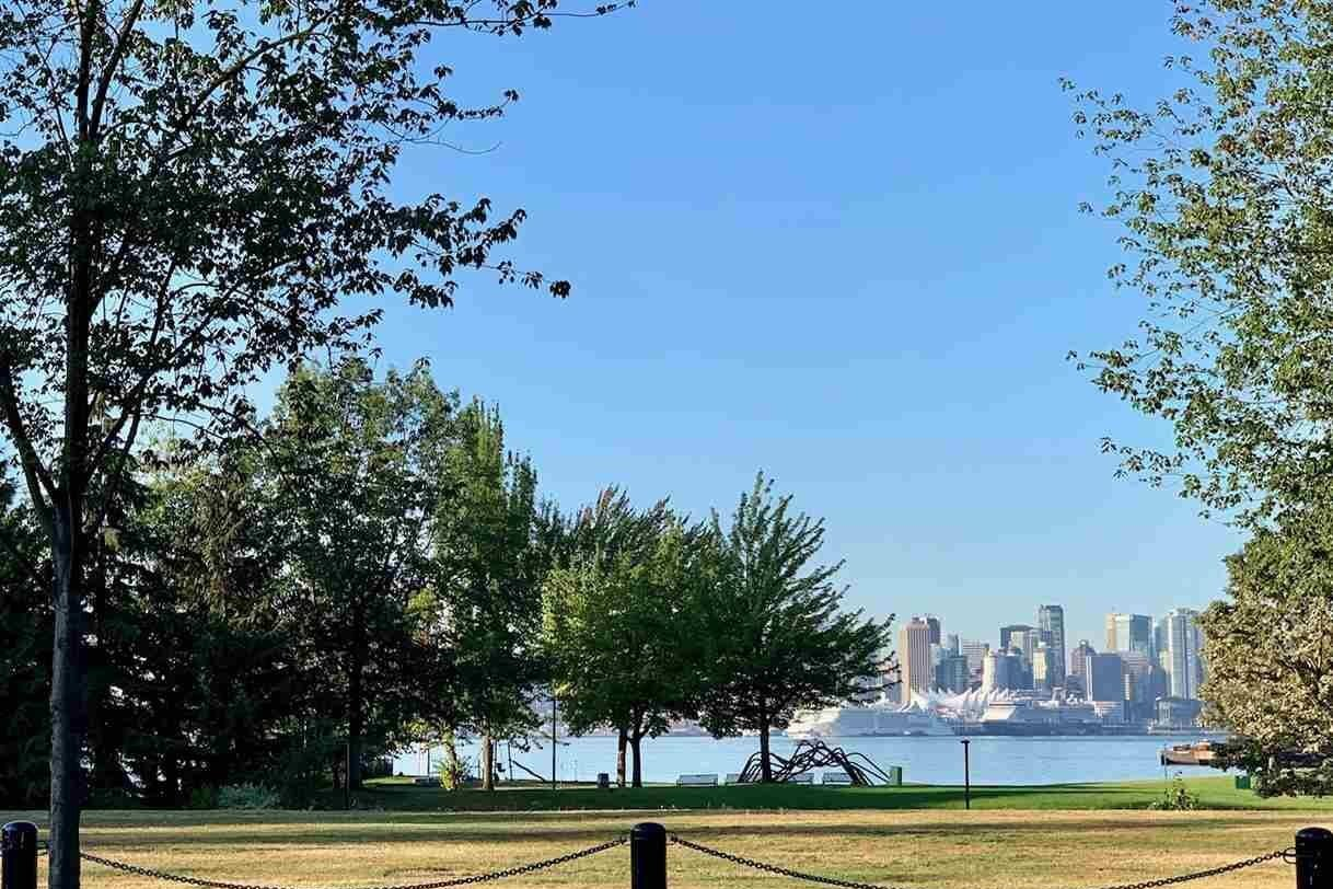 Commercial property for sale at 252 Esplanade Ave West Unit 103 North Vancouver British Columbia - MLS: C8033690