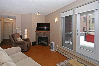 Buliding: 950 Centre Avenue Northeast, Calgary, AB