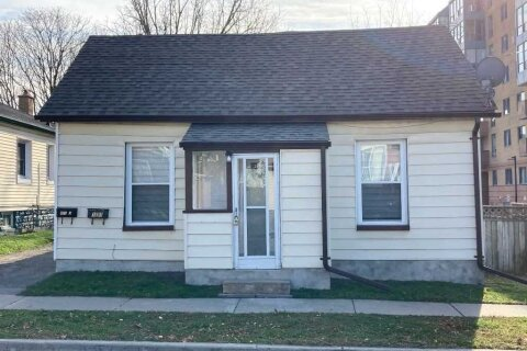 House for sale at 103 Brock St Oshawa Ontario - MLS: E4936440