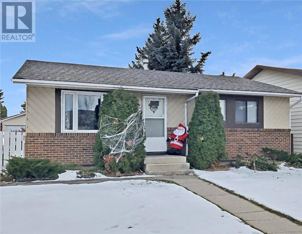 House for sale at 103 Dawson St Red Deer Alberta - MLS: ca0183788