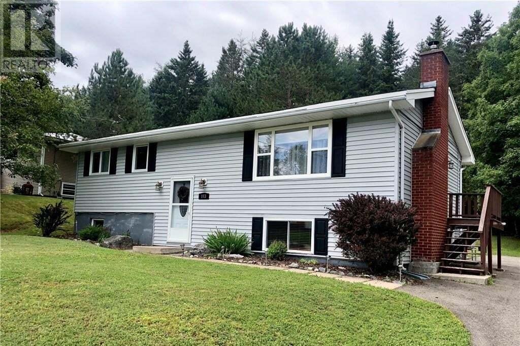 House for sale at 103 Rockcliff Dr Hampton New Brunswick - MLS: NB046726