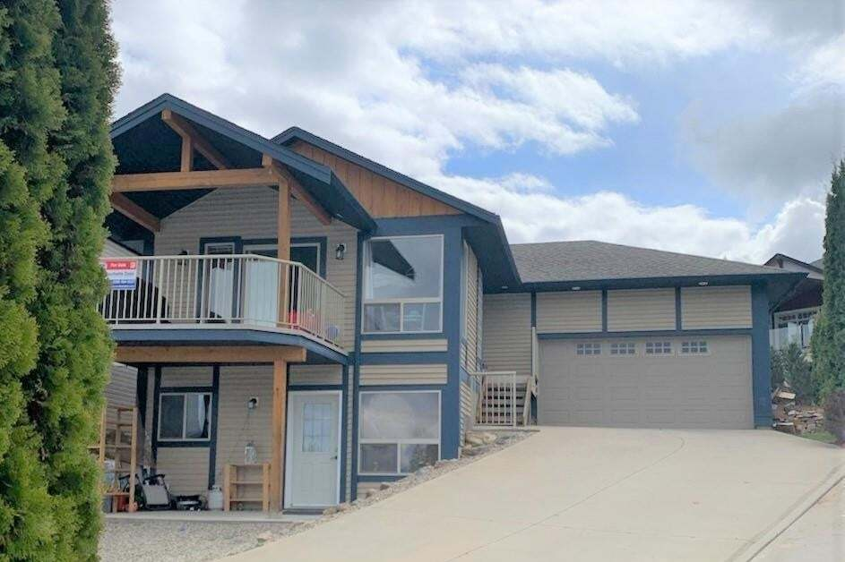 House for sale at 1030 14 Ave Southeast Salmon Arm British Columbia - MLS: 10199666