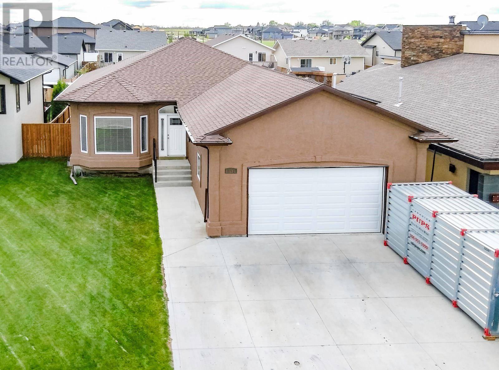House for sale at 1031 Ledingham Ln Saskatoon Saskatchewan - MLS: SK784811