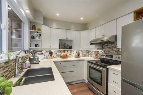 Townhouse for sale at 1031 Old Lillooet Rd North Vancouver British Columbia - MLS: R2343155