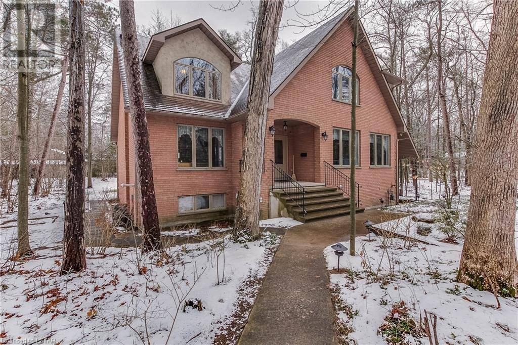 House for sale at 10312 Sherwood Cres Grand Bend Ontario - MLS: 241563