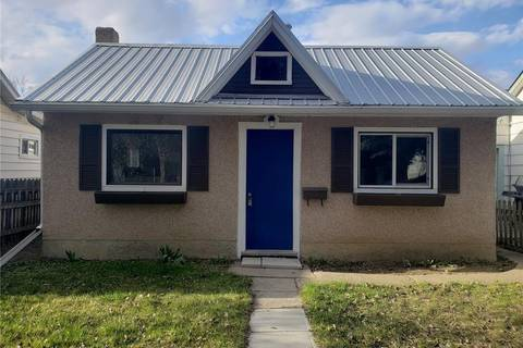 House for sale at 1032 Iroquois St W Moose Jaw Saskatchewan - MLS: SK804605