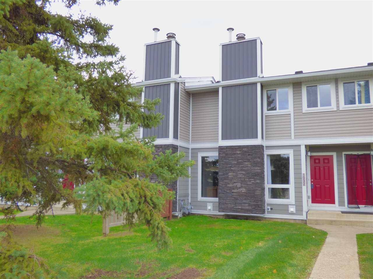Townhouse for sale at 1032 Lakewood Rd Nw Edmonton Alberta - MLS: E4176231