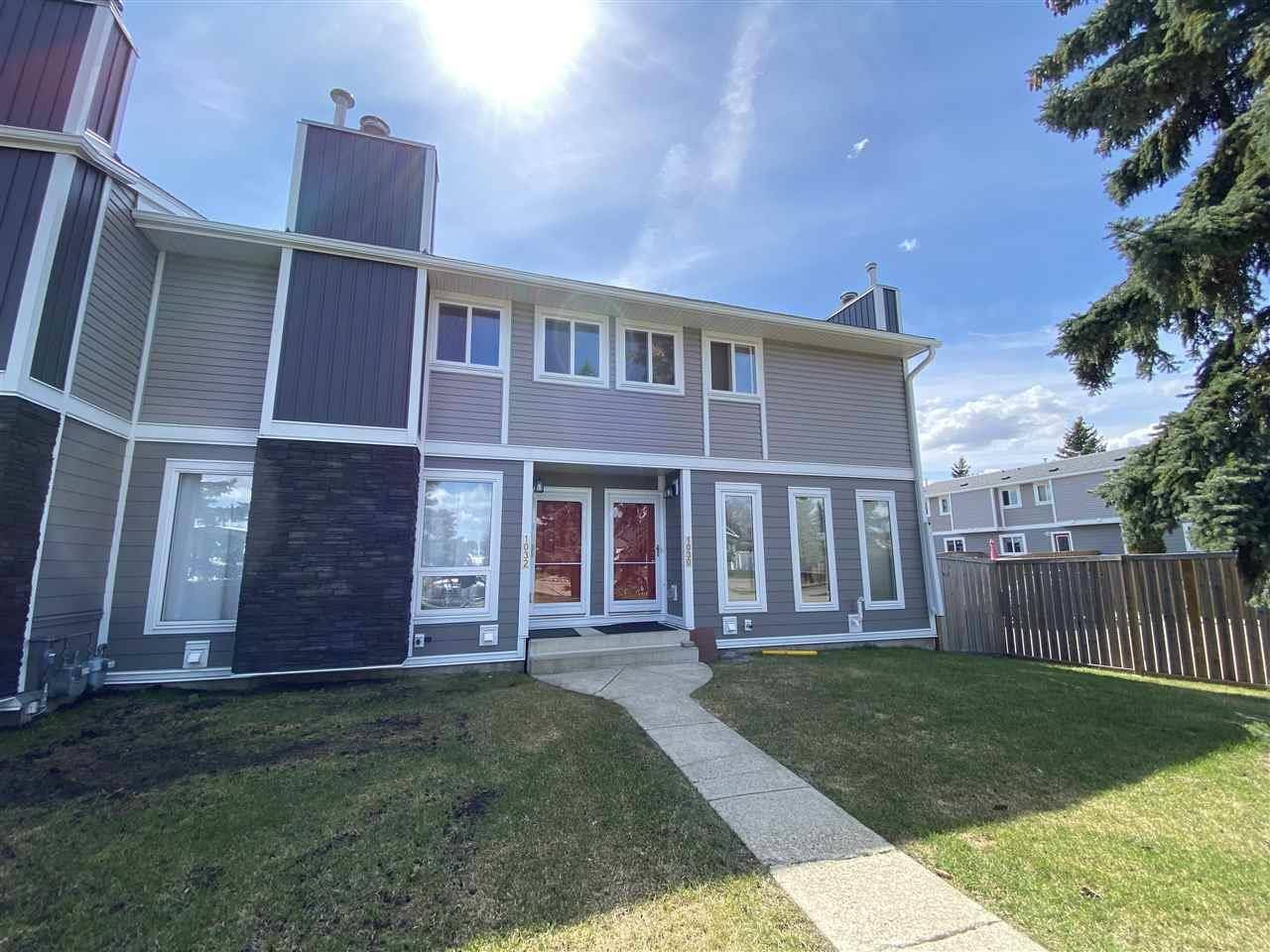 Townhouse for sale at 1032 Lakewood Rd Nw Edmonton Alberta - MLS: E4188450