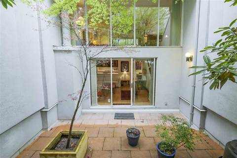Townhouse for sale at 1033 8th Ave W Vancouver British Columbia - MLS: R2357973