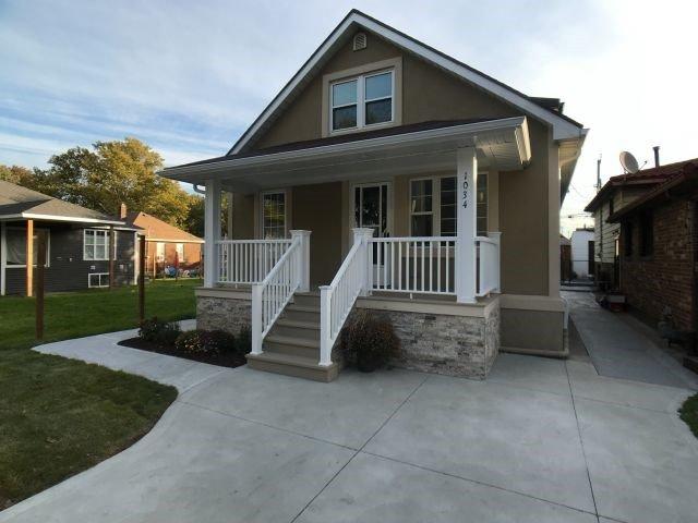 House for sale at 1034 Mcewan Avenue Windsor Ontario - MLS: X4285909