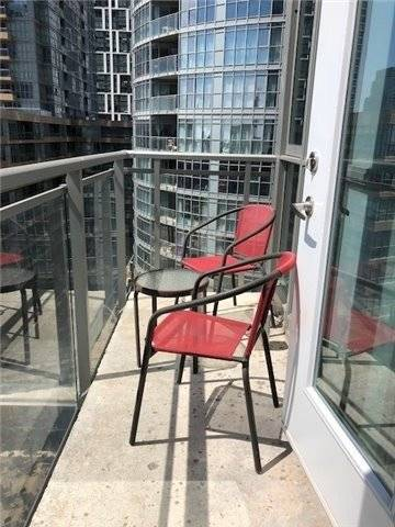 Apartment for rent at 15 Iceboat Terr Unit 1036 Toronto Ontario - MLS: C4678342