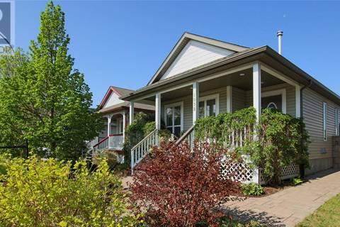 House for sale at 1038 Dewberry Wy N Regina Saskatchewan - MLS: SK772396