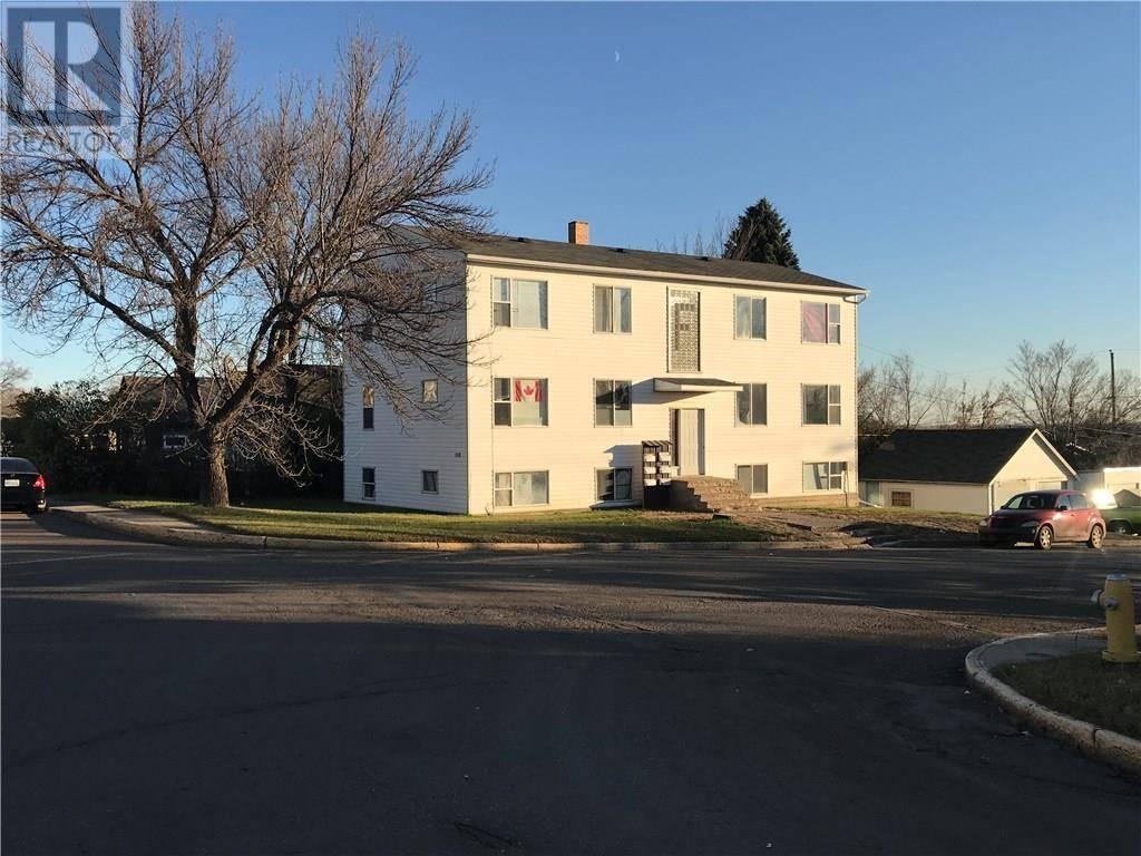Townhouse for sale at 1038 First St Estevan Saskatchewan - MLS: SK752462