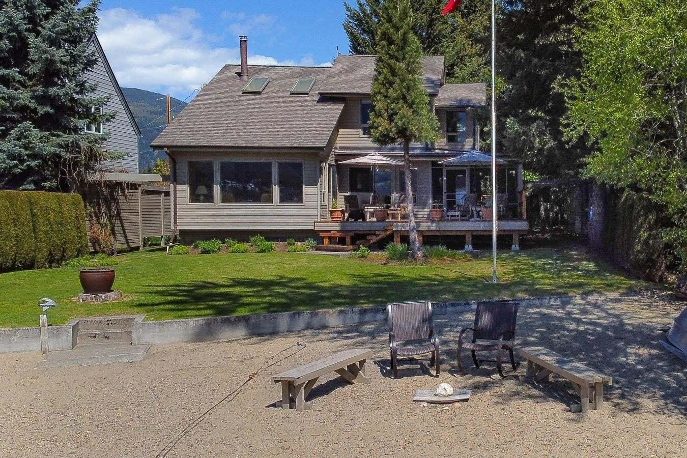 House for sale at 1038 Scotch Creek Wharf Rd Scotch Creek British Columbia - MLS: 10204788