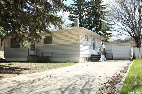 House for sale at 1039 Coteau St W Moose Jaw Saskatchewan - MLS: SK800331