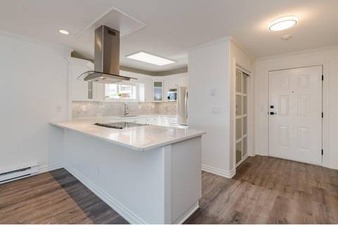 Condo for sale at 15284 Buena Vista Ave Unit 104 White Rock British Columbia - MLS: R2417141