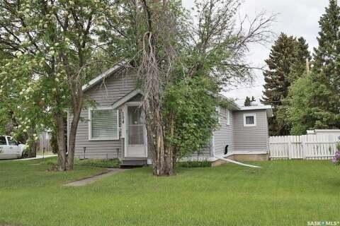 House for sale at 104 31st St E Prince Albert Saskatchewan - MLS: SK814418
