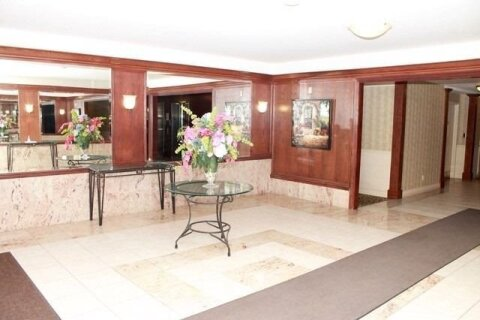 Condo for sale at 33 Wallace St Unit 104 Vaughan Ontario - MLS: N4985005