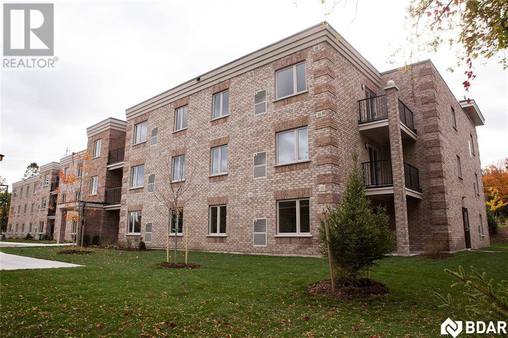 104 - 76 Ardagh Road, Barrie | Image 1