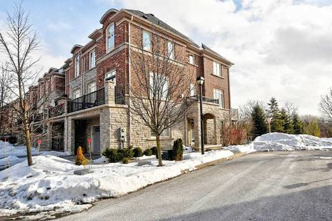 Townhouse for sale at 104 Chapman Ct Aurora Ontario - MLS: N4698739