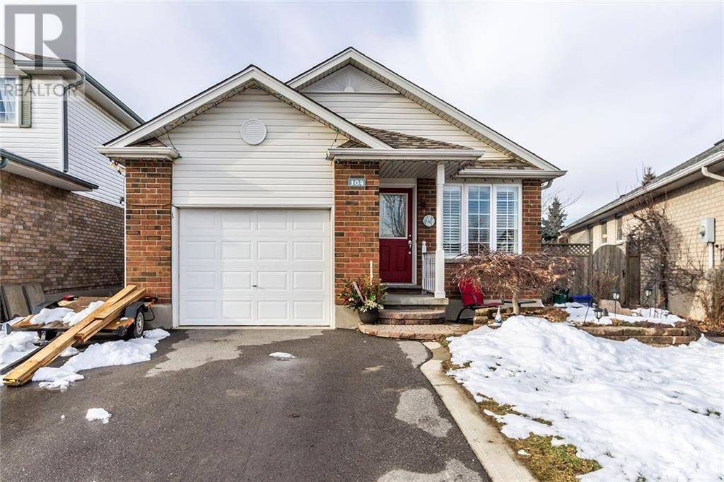 House for sale at 104 Crawford Cres Cambridge Ontario - MLS: 30788455