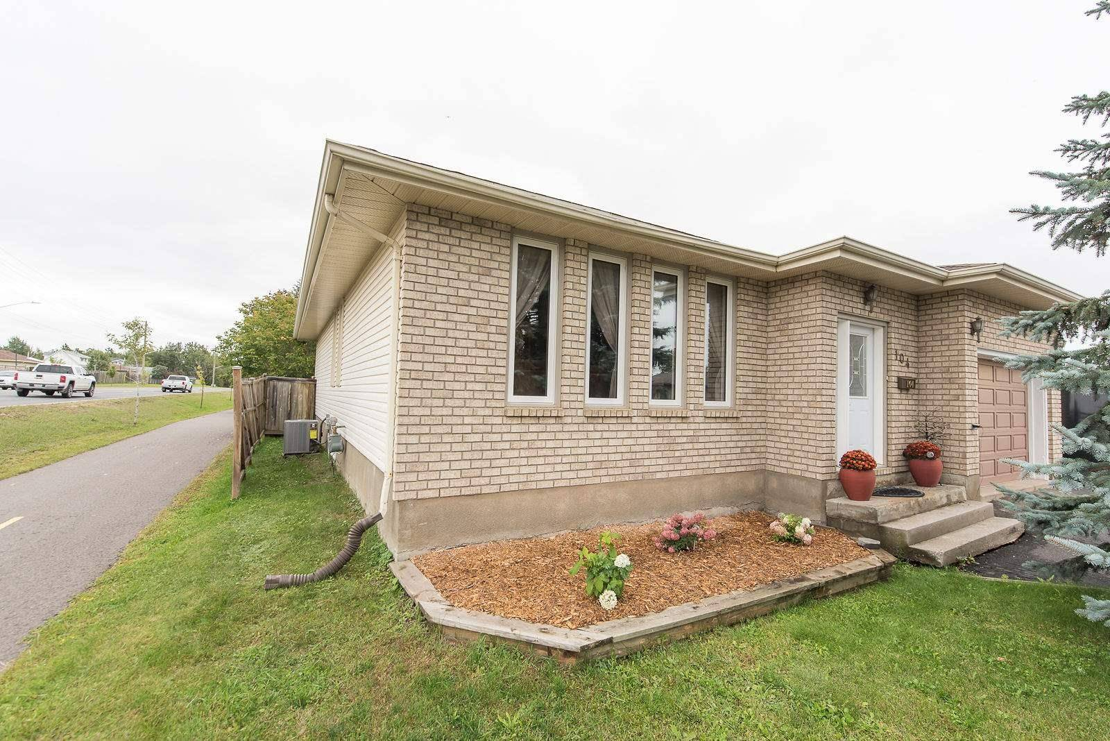 House for sale at 104 Crystal St Thunder Bay Ontario - MLS: TB193055