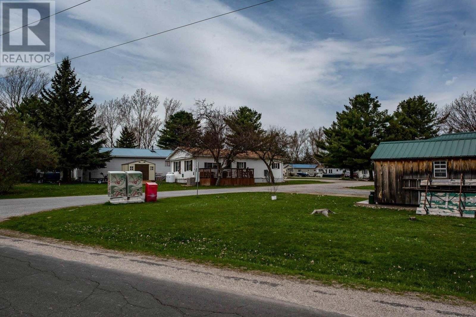 Home for sale at 104 Ellisville Rd Seeley's Bay Ontario - MLS: K20002385