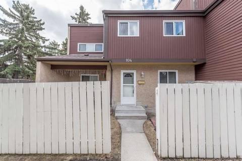 Townhouse for sale at 104 Kaskitayo Ct Nw Edmonton Alberta - MLS: E4155707